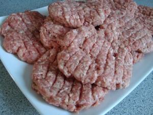 Hemgjorda hamburgare med bbq sås bild 2