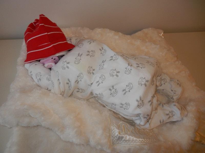 Sovande bebis av blöjor bild 1